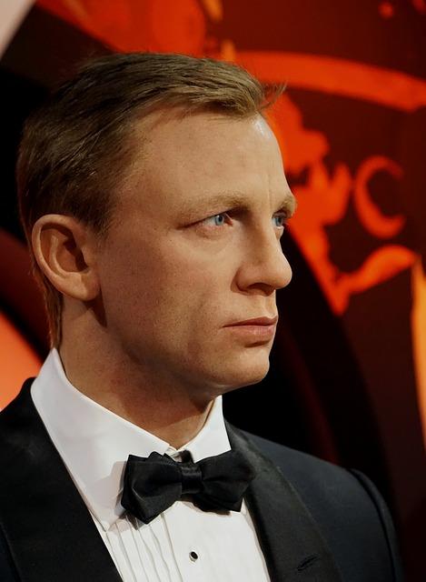James Bond wax