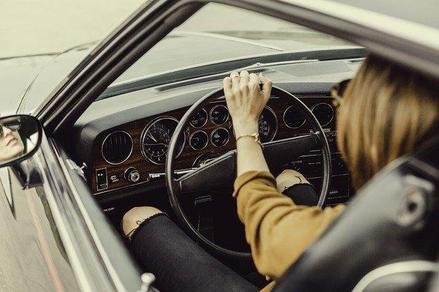 ajaa-autoa